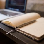 Por que escrever artigos e livros é importante para a carreira
