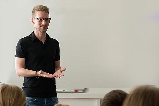 O impacto de uma boa história em aulas, palestras e apresentações